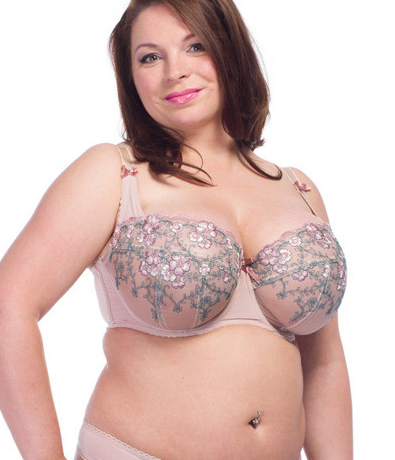 Ewa Michalak SM Burek. Can you say prettiest beige bra ever?