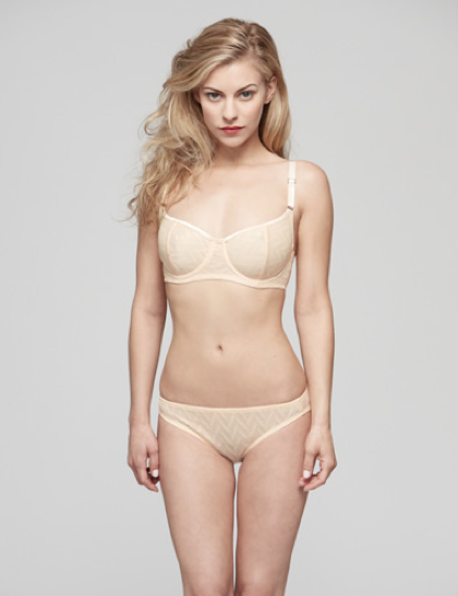 Vega demi bra in peach with bikini bottoms